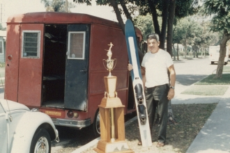 1986: Mike's dad with the ski and trophy from the Lake Mead 75-miler