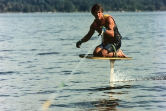 1986: Knee-foiling in Washington state. The product was an important stepping stone to the development of the Air Chair in 1989.