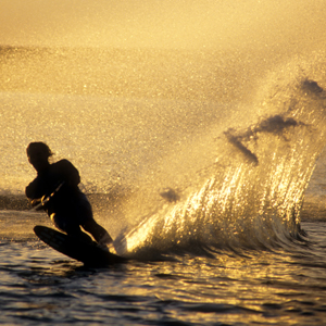 SUNSET_SLALOM_TURN_Water_Skiing_Creative_Commons_Free_Photos_TonyKlarich.com